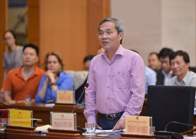 Ông Phạm Lương Sơn phát biểu tại phiên giải trình.
