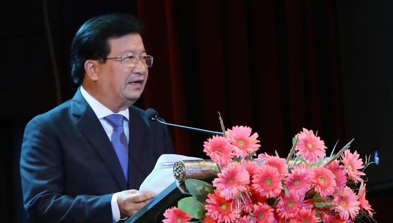 Phó Thủ tướng Trịnh Đình Dũng phát biểu tại phiên họp.