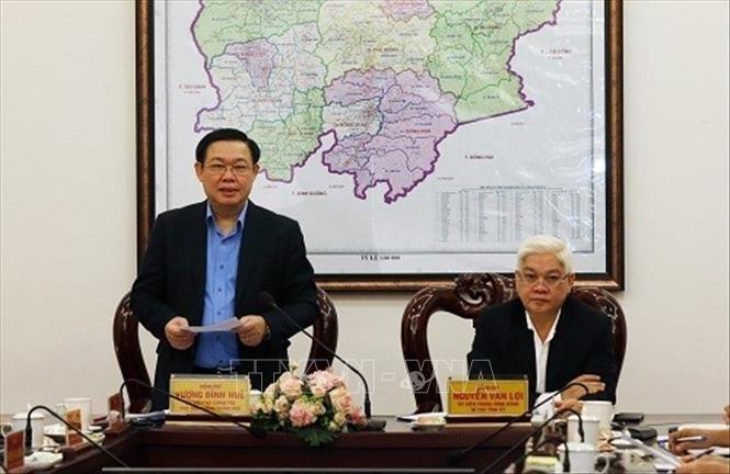 Phó Thủ tướng Vương Đình Huệ phát biểu tại buổi làm việc. Ảnh: TTXVN