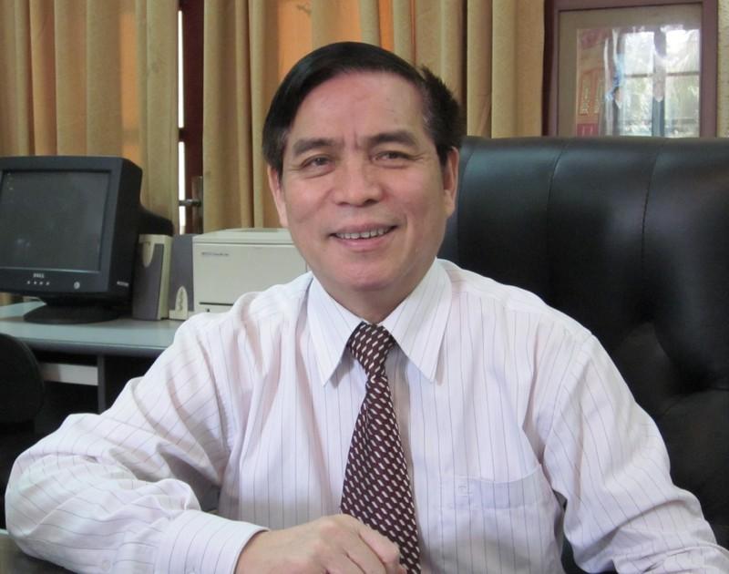 Nguyên Thứ trưởng Bộ Tư pháp Hoàng Thế Liên đề nghị phải đảm bảo thực chất việc lấy ý kiến nhân dân.