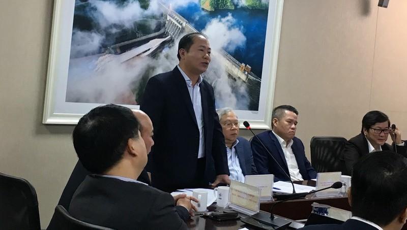 Ông Vũ Anh Minh, Chủ tịch HĐTV Tổng công ty Đường sắt Việt Nam phản ánh những khó khăn với Tổ công tác của Thủ tướng.