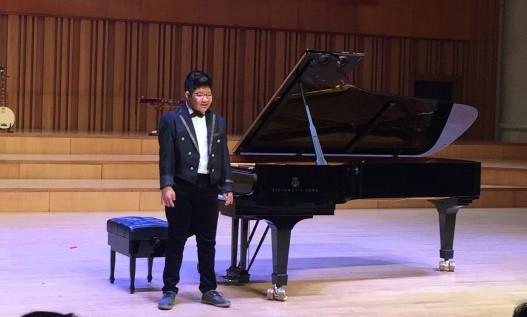 Con trai nghệ sĩ Quốc Tuấn nhận học bổng Toyota