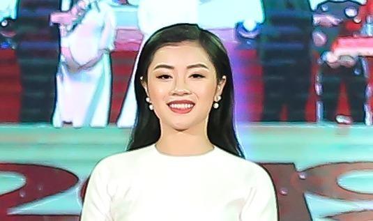 Sao mai Nguyễn Thu Hằng vinh dự là 1 gương mặt trẻ tiêu biểu Thủ đô 2018