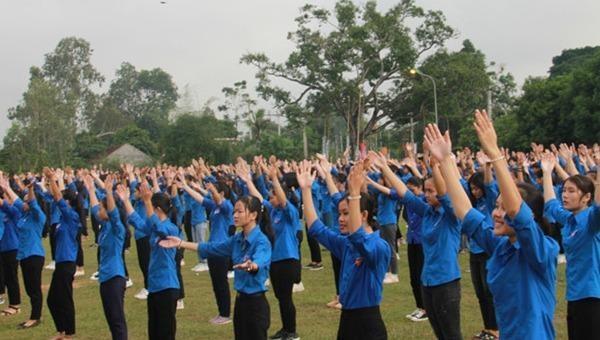 Gần 2.000 thanh niên Nghệ An tham dự Hành trình Tôi yêu Tổ quốc tôi