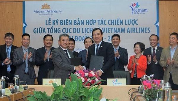 Vietnam Airlines ký kết Biên bản hợp tác chiến lược Tổng cục Du lịch