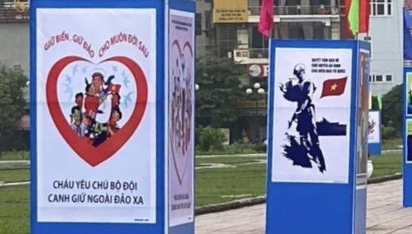 Triển lãm tranh kỷ niệm 45 năm Ngày Giải phóng miền Nam, thống nhất đất nước