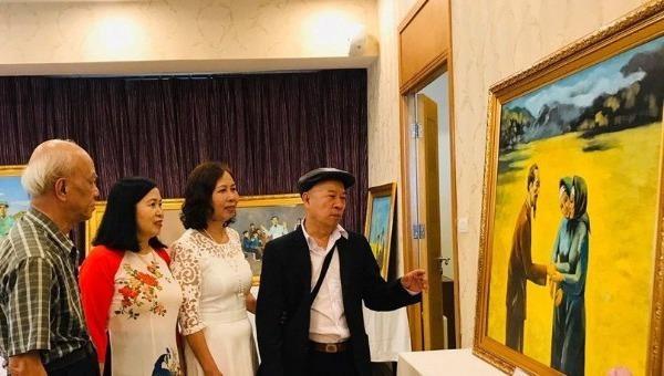 """Triển lãm """"Tháng Năm nhớ Bác"""" của họa sĩ được Hồ Chủ tịch """"gián tiếp"""" đặt tên"""