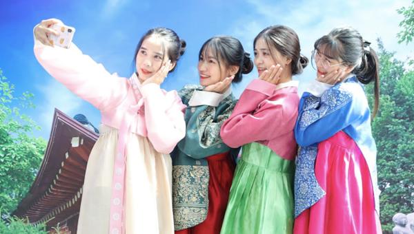 """'Hi! Korea"""" - Trải nghiệm du lịch Hàn Quốc giữa lòng Hà Nội"""