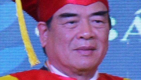 Anh hùng lao động Nguyễn Quang Mâu nhận danh hiệu Tiến sĩ của Viện Đại học Kỷ lục Thế giới