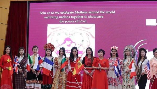 Nghệ sĩ 14 quốc gia hòa ca 'Thế giới hát về Mẹ'