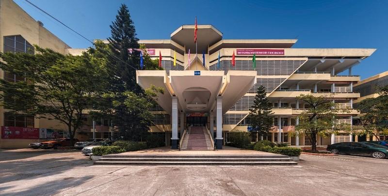 Lào Cai: Bất thường tấm bằng đại học của ông Phó Chủ tịch huyện Văn Bàn