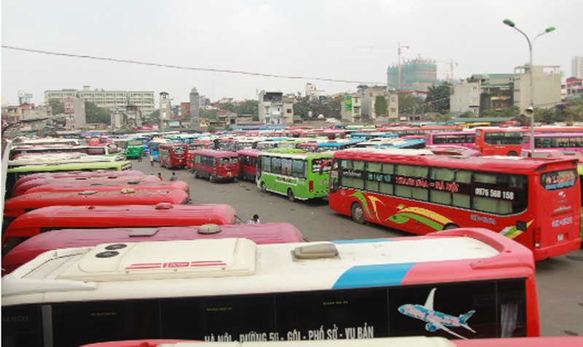 Thủ tướng yêu cầu Hà Nội đối thoại với doanh nghiệp về phân luồng xe khách