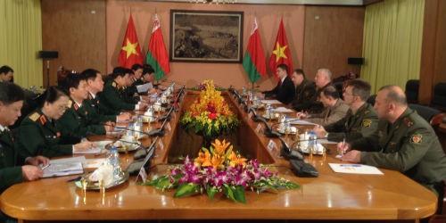 Việt Nam - Belarus chia sẻ kinh nghiệm giáo dục chính trị - tư tưởng cho quân nhân