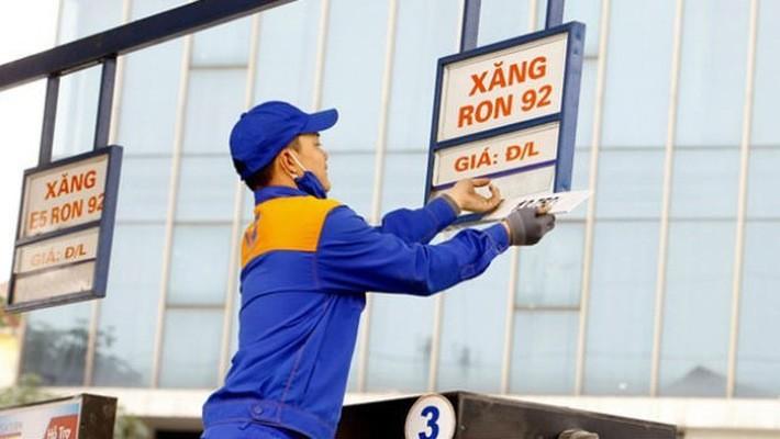 Tăng mạnh giá xăng từ 15h hôm nay