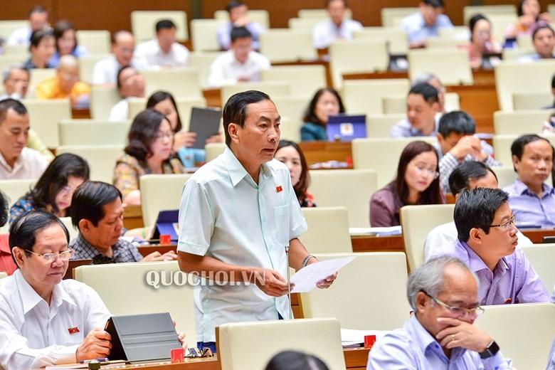 ĐB Phạm Văn Hòa (Đồng Tháp) phát biểu