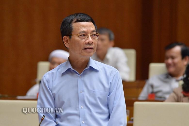 Bộ trưởng Bộ Thông tin và Truyền thông Nguyễn Mạnh Hùng trả lời