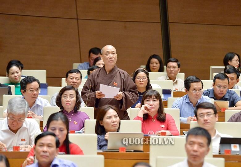 Hòa thượng Thích Bảo Nghiêm – Phó Phó Chủ tịch Hội đồng Trị sự Trung ương Giáo hội Phật giáo Việt Nam (ĐB đoàn TP Hà Nội) khẳng định trước Quốc hội.