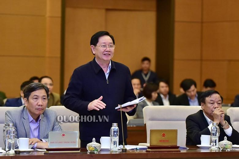 Bộ trưởng Bộ Nội vụ Lê Vĩnh Tân trình bày Báo cáo của Chính phủ