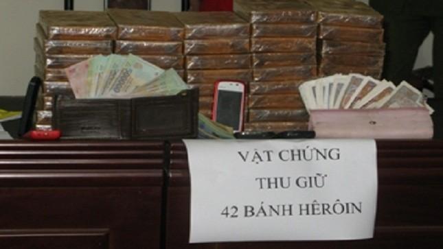 """Bắt vụ vận chuyển ma túy """"khủng"""" bằng xe tải Lào"""