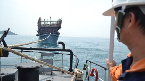 Hai tàu đâm nhau trên biển, 8 thuyền viên mất tích