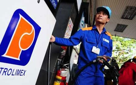Xăng dầu giảm giá, Petrolimex vẫn lãi lớn