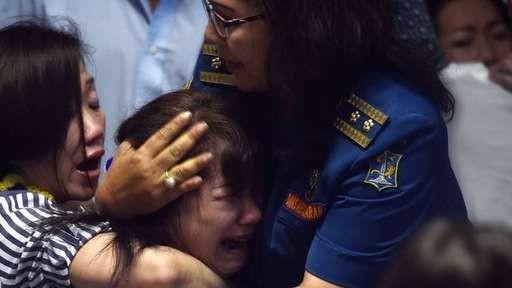 Vụ máy bay mất tích: Vớt được hơn 40 thi thể trên biển