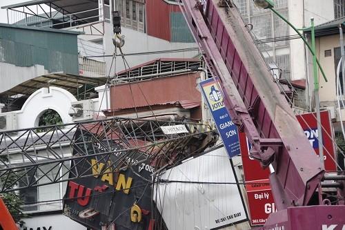 Loay hoay khắc phục sự cố sập cần cẩu dự án đường sắt