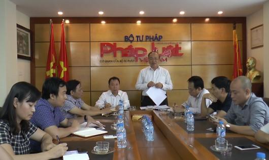 Bản tin Tư Pháp: Thứ trưởng Phan Chí Hiếu thăm và làm việc với Báo Pháp luật Việt Nam
