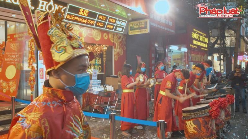 Sợ dịch nCoV, 'phố vàng' Trần Nhân Tông vắng vẻ ngày vía Thần tài