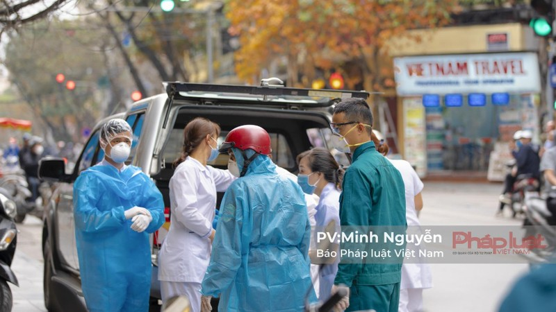 Quận Hoàn Kiếm phun khử khuẩn, cách ly 158 người trên địa bàn