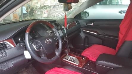 Toyota Camry 2.5Q mới mua đã hỏng màn hình