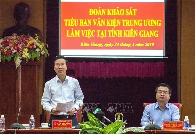 Đồng chí Võ Văn Thưởng phát biểu kết luận buổi làm việc (Ảnh TTXVN)