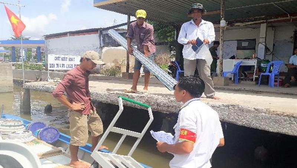 Kiểm soát triệt để dịch tả heo châu Phi tại các trạm kiểm dịch trên địa bàn tỉnh Cà Mau