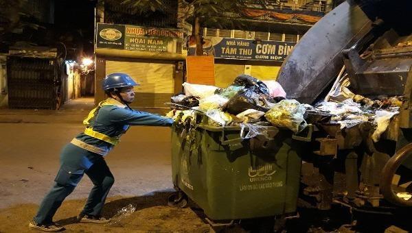 Chuyện cảm động sau bức thư cảm ơn cô quét rác