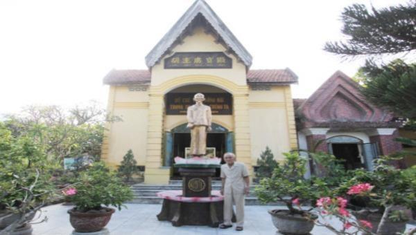 Khu tưởng niệm Bác Hồ của vị cựu binh già