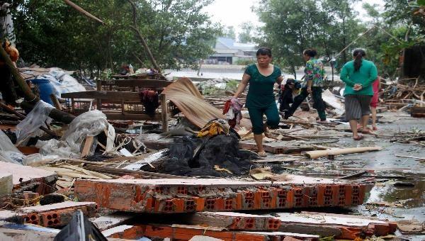 Lốc xoáy làm sập nhà khiến một người tử vong
