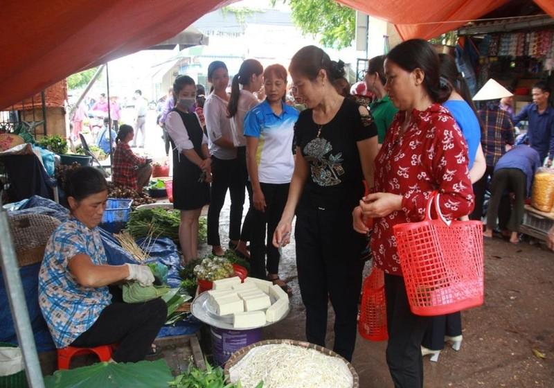 Phụ nữ Bắc Giang chung tay chống rác thải nhựa
