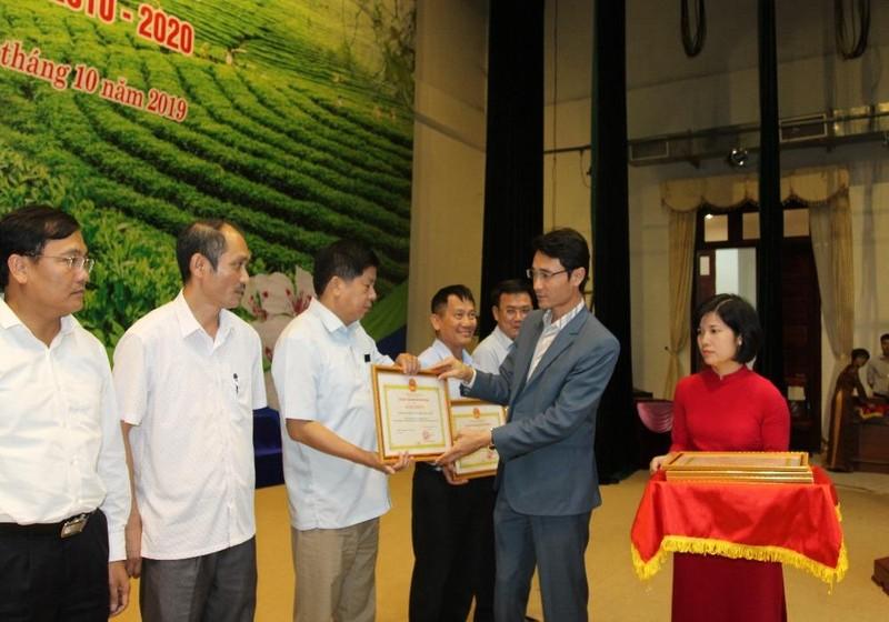 Các tập thể, cá nhân của tỉnh Lai Châu được tặng bằng khen vì có thành tích xuất sắc trong chương trình xây dựng nông thôn mới