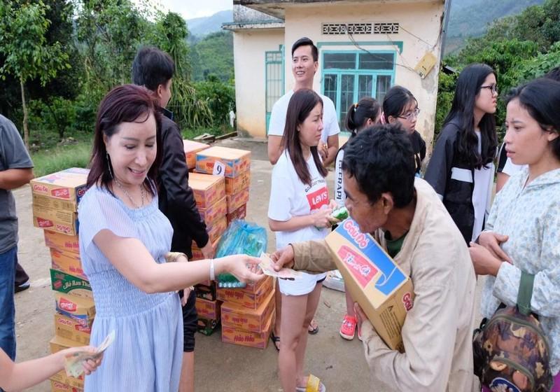 Bà Nguyễn Thị Cẩm Hồng hiện chỉ là người sáng lập Quỹ từ thiện Tấm lòng nhân ái Phú Mỹ Kỳ và Quỹ từ thiện này hiện không liên quan đến Cty Hưng Thịnh