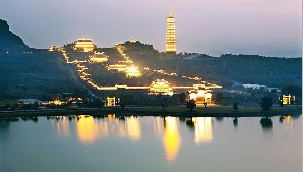 Linh thiêng bảo tháp cao nhất Đông Nam Á thờ xá lợi Phật từ Ấn Độ