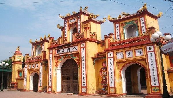 Ngôi đền thiêng 4000 năm tuổi thờ Đức Vua Cha Bát Hải Đông Đình