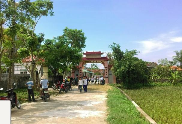 Cổng vào thôn văn hóa Ngọc Đoài