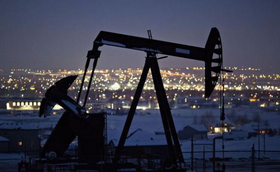 Lần đầu tiên trong lịch sử giá dầu thô xuống mức âm