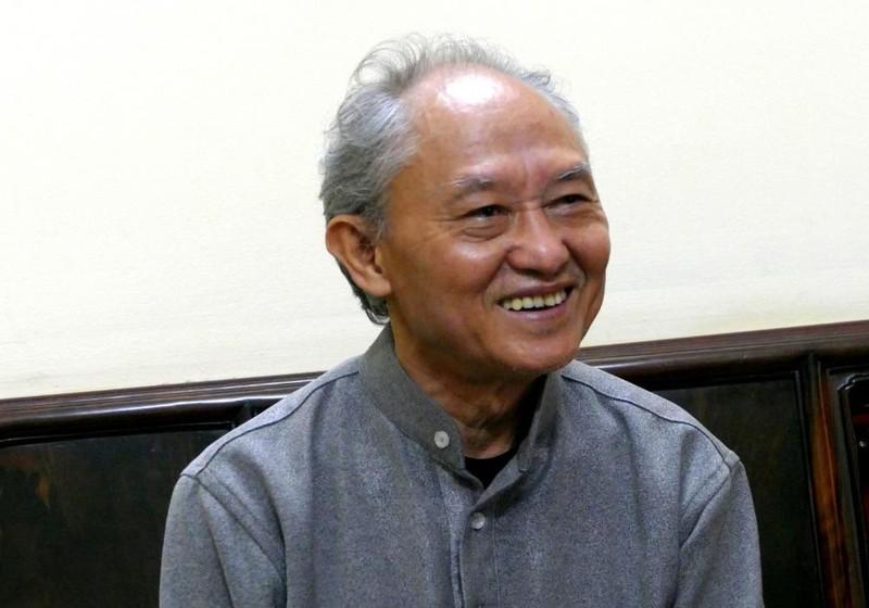 Nhà văn Phạm Việt Long