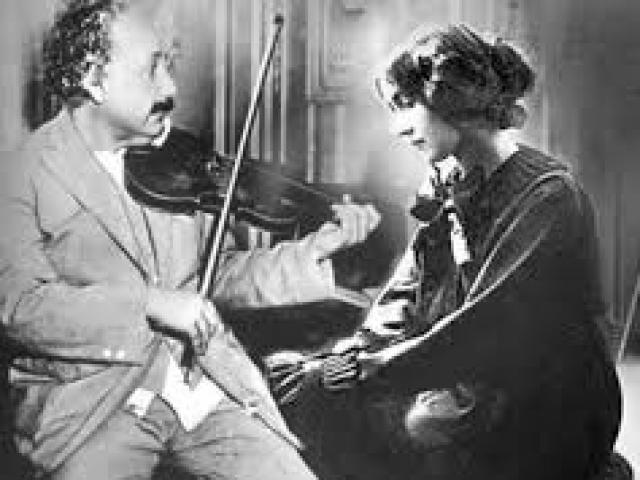 Tình trong bóng tối của nữ điệp viên Liên Xô với nhà bác học lừng danh Einstein