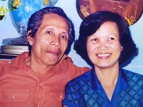 """Vợ nhạc sĩ """"60 năm cuộc đời"""" vẫn giữ thư tình của chồng với người con gái khác"""