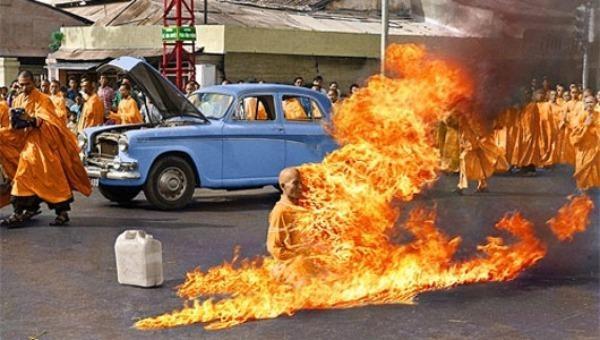 Chuyện về chiếc xe ô tô bất tử chở Bồ Tát Thích Quảng Đức