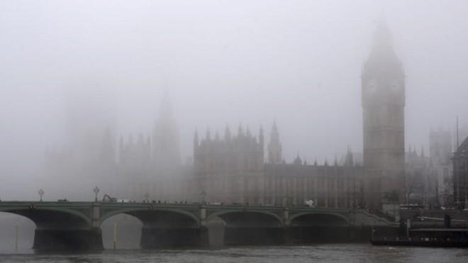 Bức ảnh chụp London chìm trong sương mù ô nhiễm năm 1952