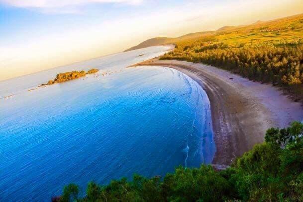 Vẻ đẹp hoang sơ của biển Quỳnh