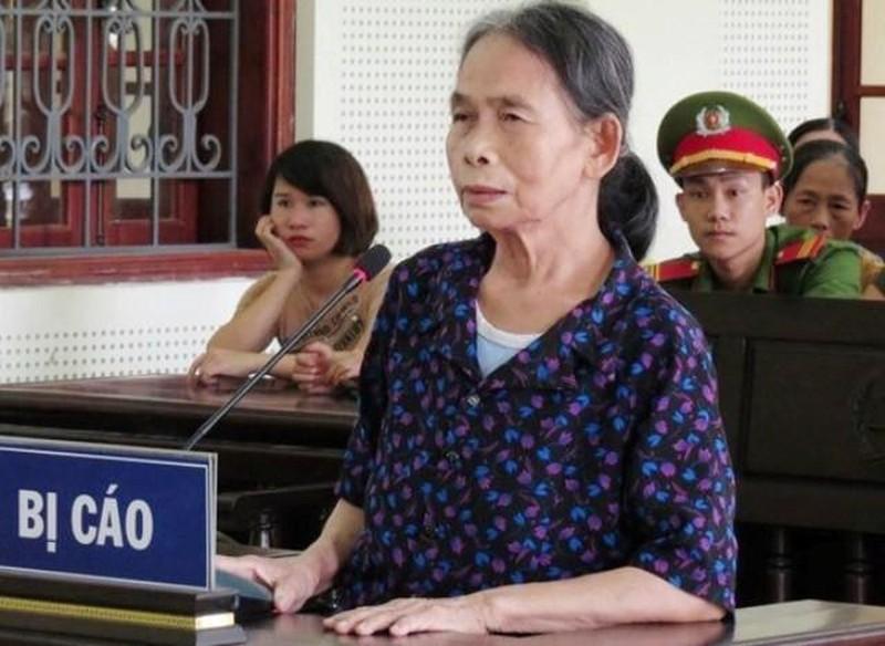 Nỗi đau phiên tòa bà nội sát hại cháu gái 11 tuổi
